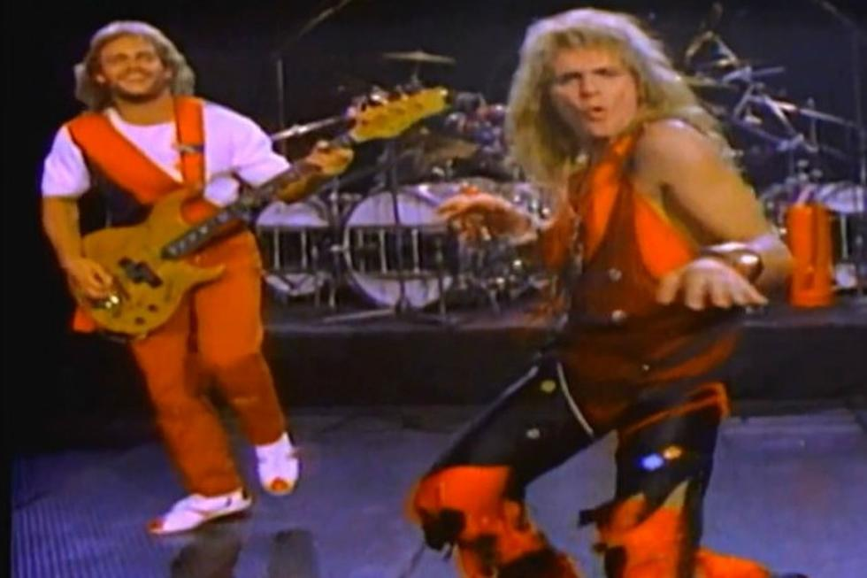 Michael Anthony Still Has Painful Memories Of David Lee Roth S Butt