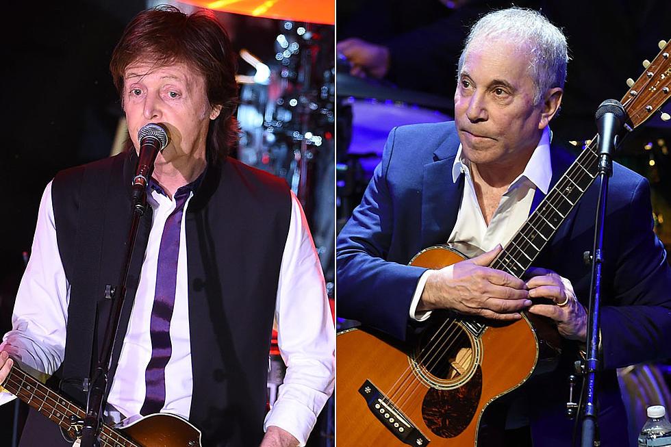 Paul McCartney and Paul Simon Sing 'I've Just Seen a Face' on 'SNL 40'