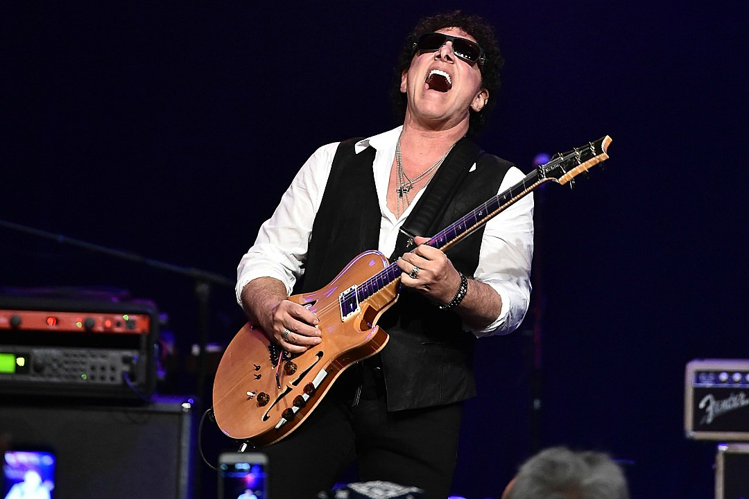 Journey's Neal Schon to Auction Off More Than 100 Guitars