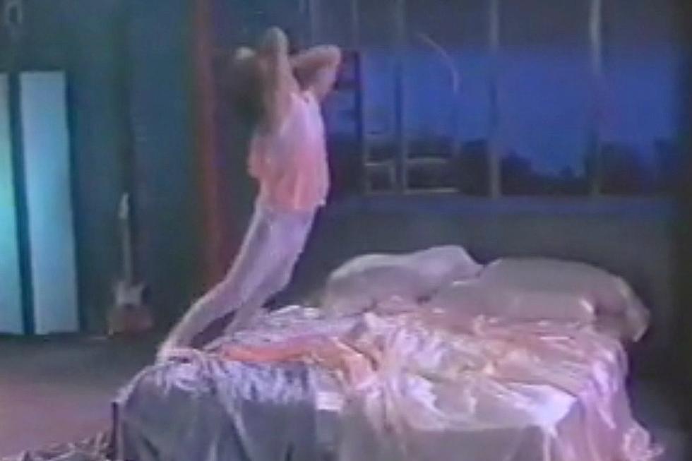 Did the 'Rock Me Tonite' Video Destroy Billy Squier's Career?