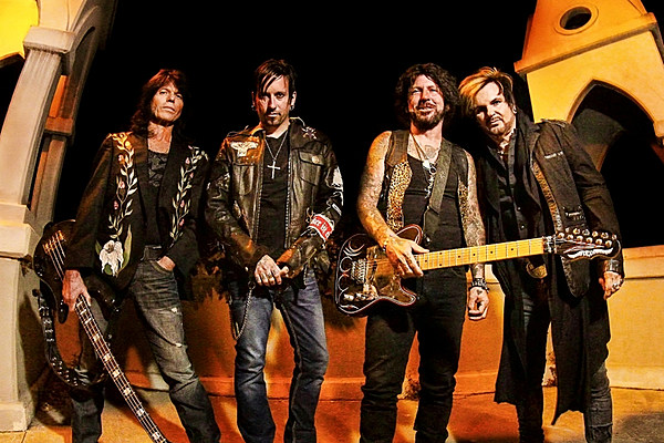 Tracii Guns Explains How He Joined Forces With Rudy Sarzo