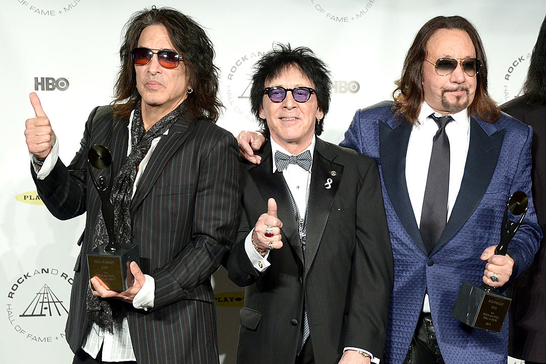 Paul Stanley: Ace and Peter Sold Their Kiss Makeup Rights for 'Not a Whole Lot'