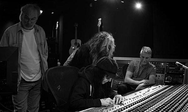 Mick Mars Recording with Former Motley Crue Singer John Corabi