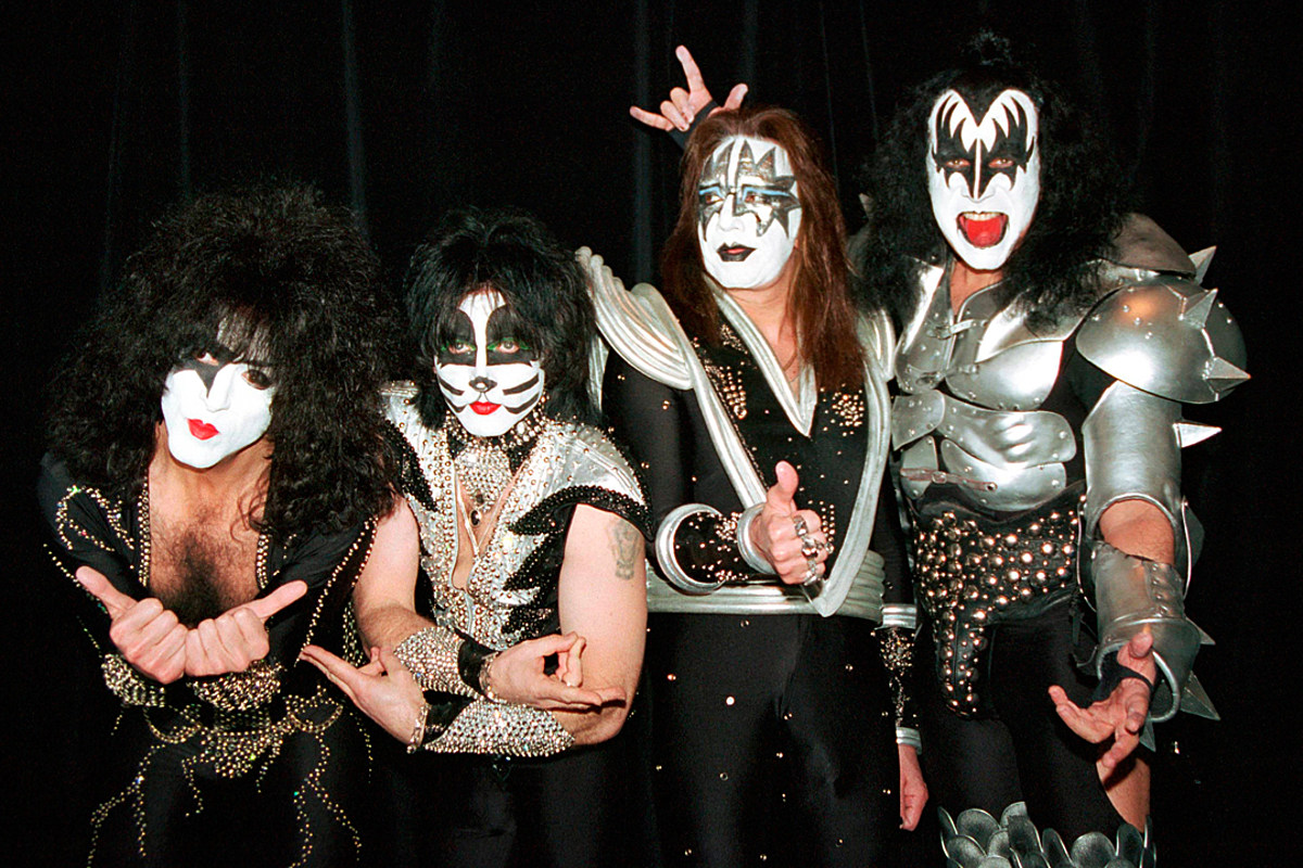 the day ace frehley played his last kiss show. Black Bedroom Furniture Sets. Home Design Ideas
