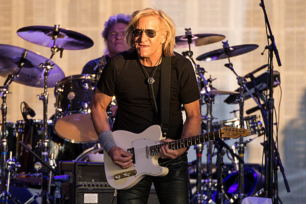bad company and joe walsh 39 s 39 one hell of a night 39 tour exclusive photos and video. Black Bedroom Furniture Sets. Home Design Ideas