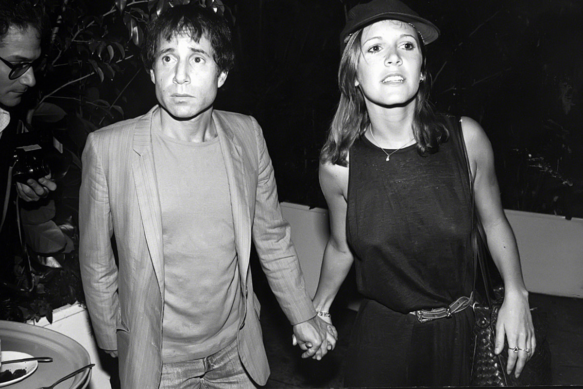 Inside Carrie Fisher S Turbulent Inspirational Relationship With Paul Simon
