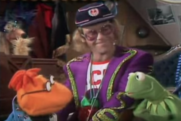 Elton John Christmas Outfit.40 Years Ago Elton John Performs On The Muppet Show