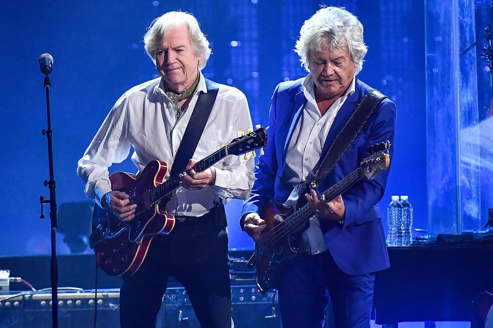 Moody Blues' Ray Thomas Dies at 76