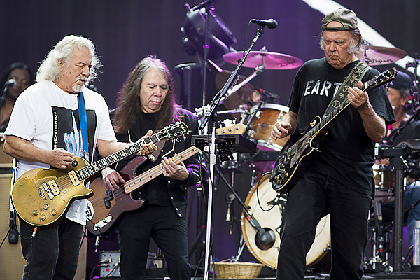 neil young and crazy horse announce return to stage. Black Bedroom Furniture Sets. Home Design Ideas