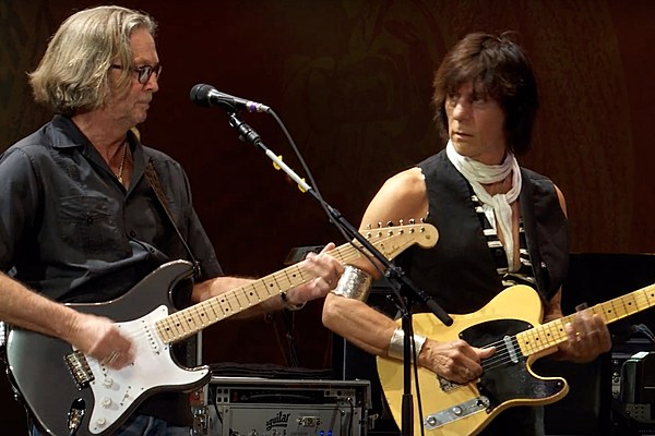 jeff beck reflects on early rivalry with eric clapton. Black Bedroom Furniture Sets. Home Design Ideas