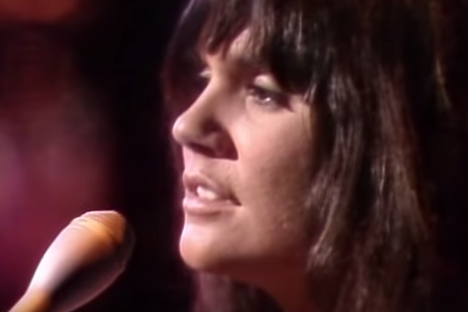 2fb200956c2e Linda Ronstadt Admits She Wasn t Ready for Stint With Neil Young