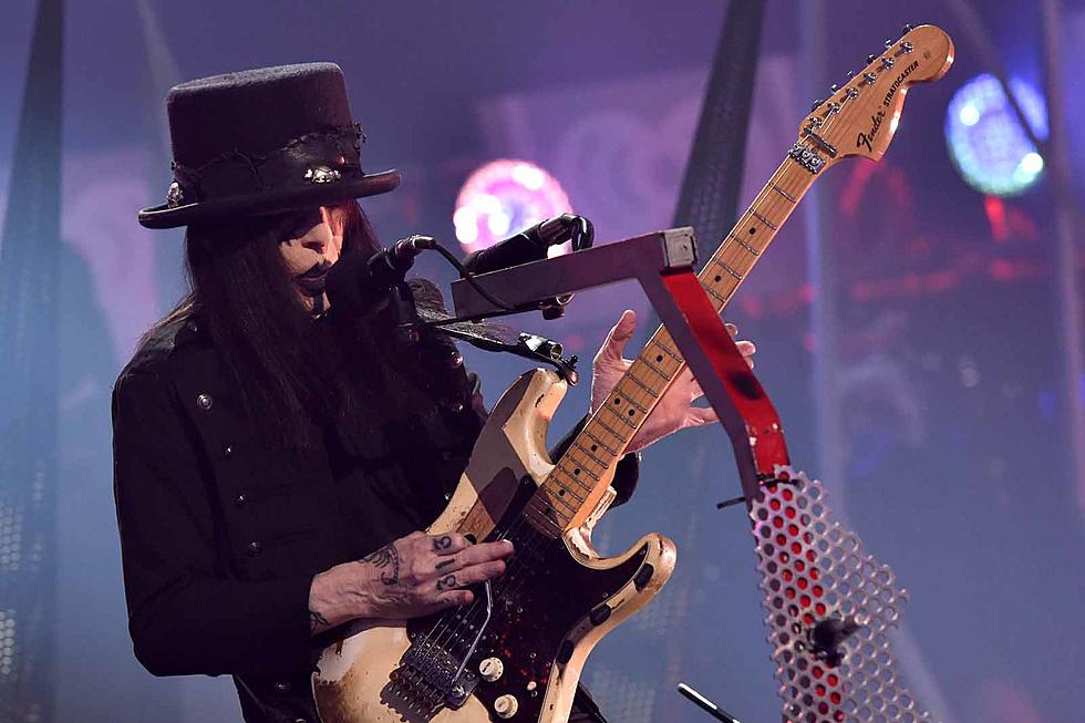 How Mick Mars Has Lived With Ankylosing Spondylitis