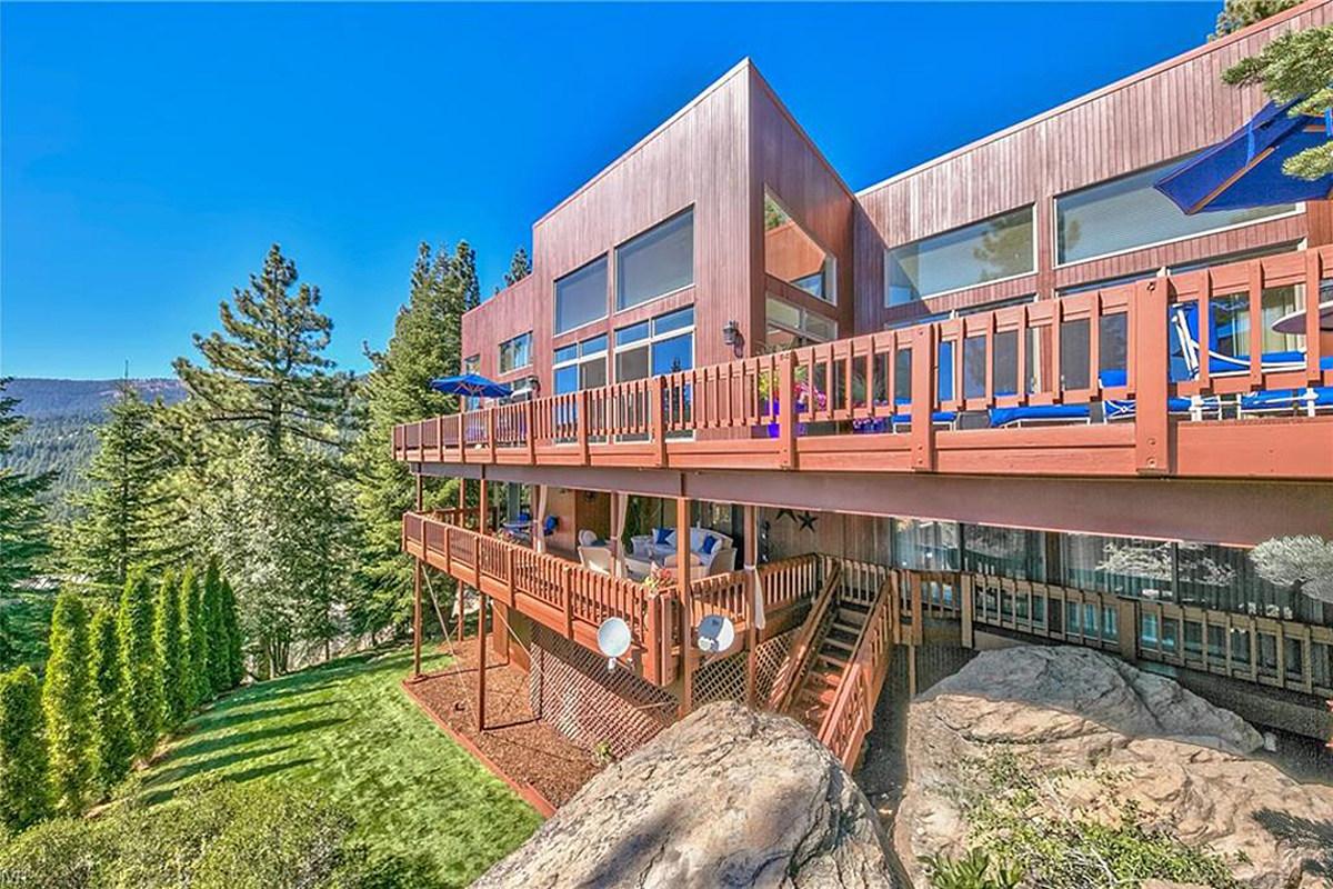 Whitesnake's David Coverdale Selling 'Spectacular' $9 8M Home