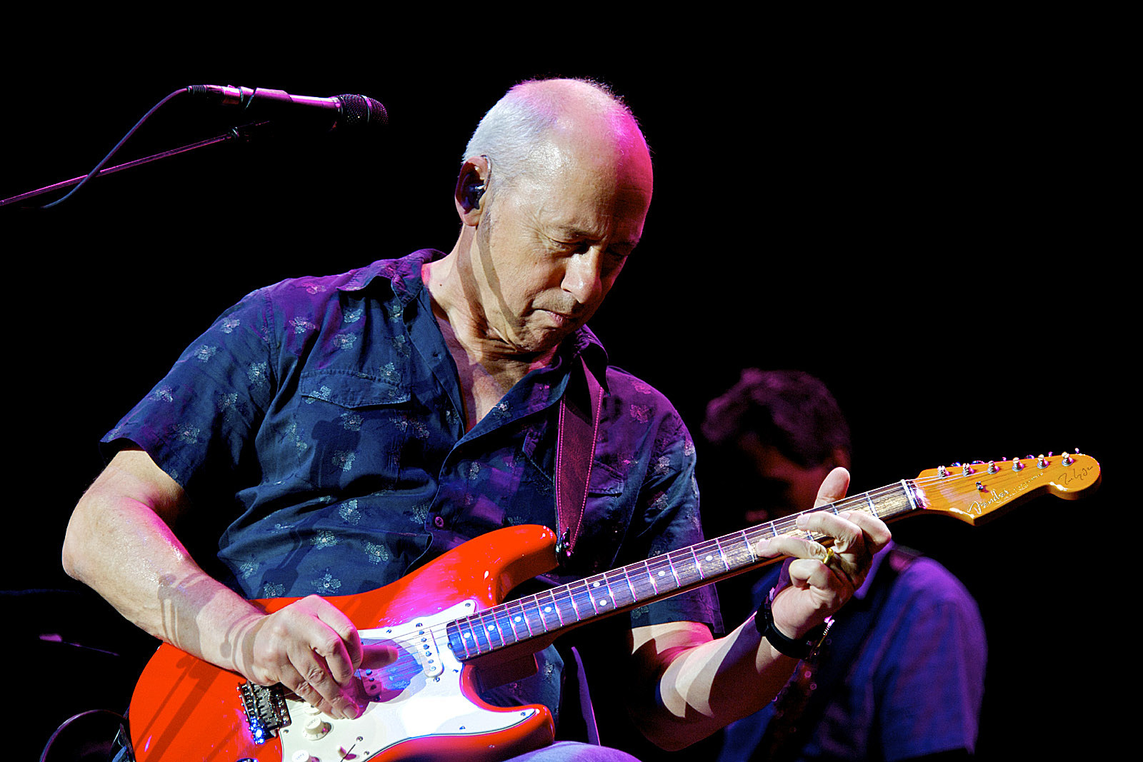 Mark Knopfler Kicks Off World Tour Videos Set List
