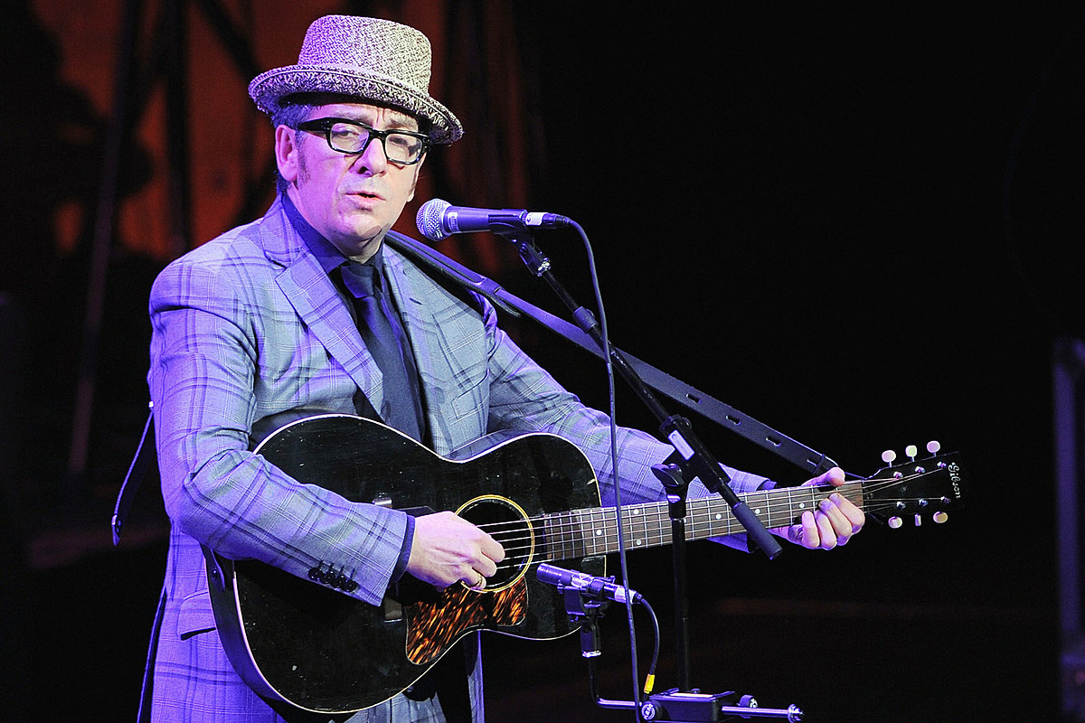 Elvis Costello's Mom Told Him To Accept O.B.E. Honor From Queen Elizabeth