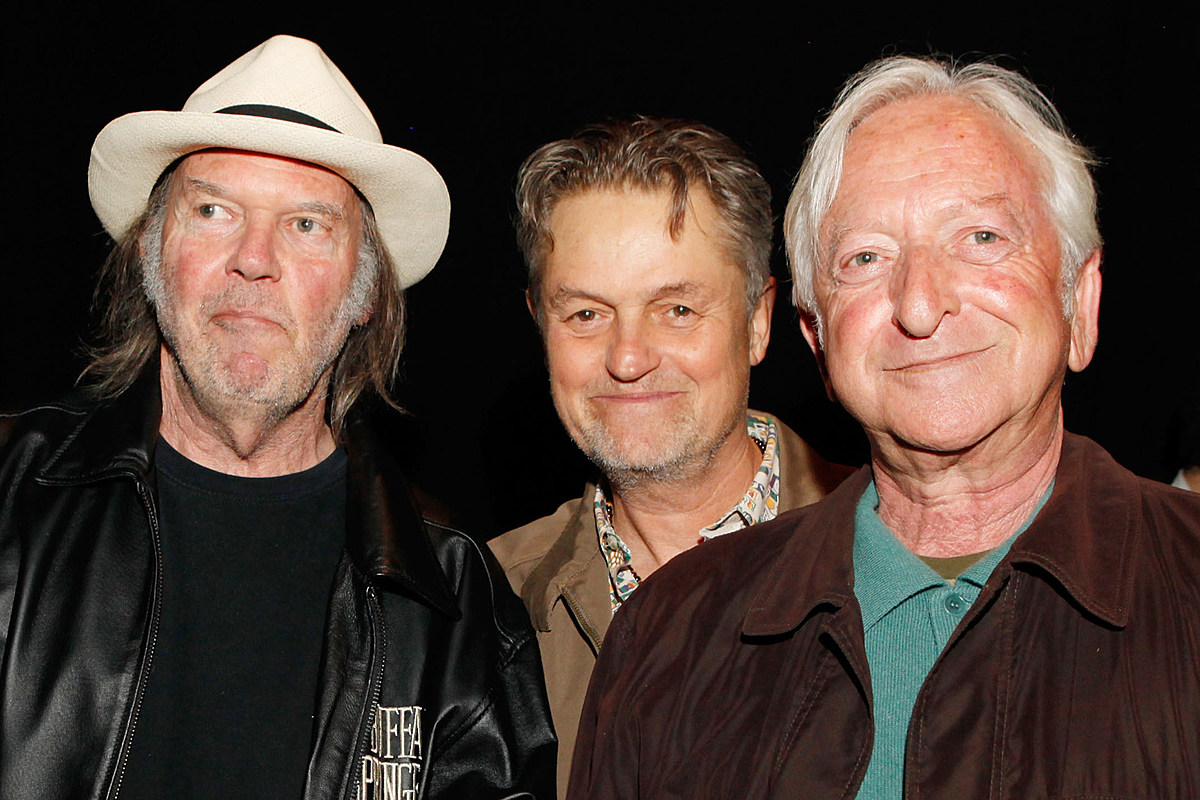 Neil Young Pays Heartfelt Tribute to Late Manager Elliot Roberts