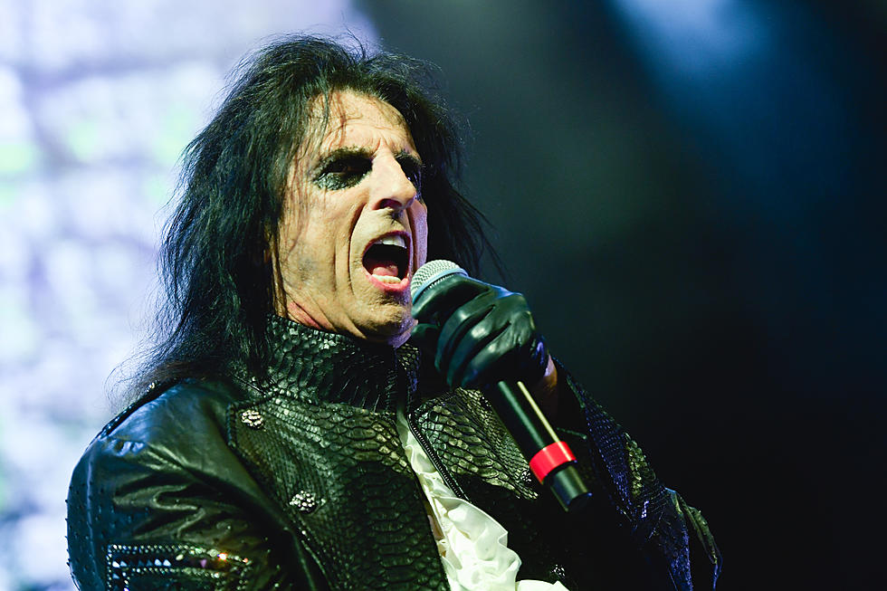 Alice Cooper Kicks Off 'Ol' Black Eyes Is Back' Tour: Set List