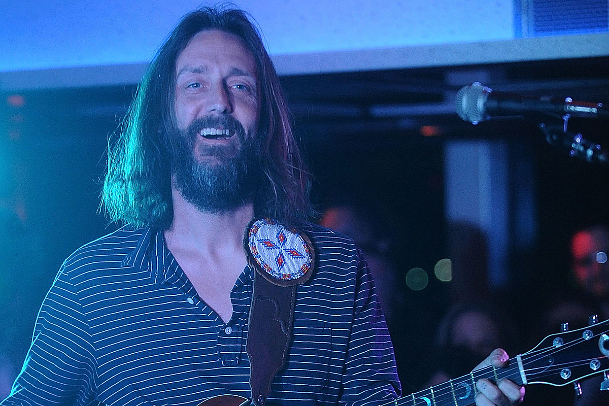 Chris Robinson Eyes Return to Solo Work After Short Break