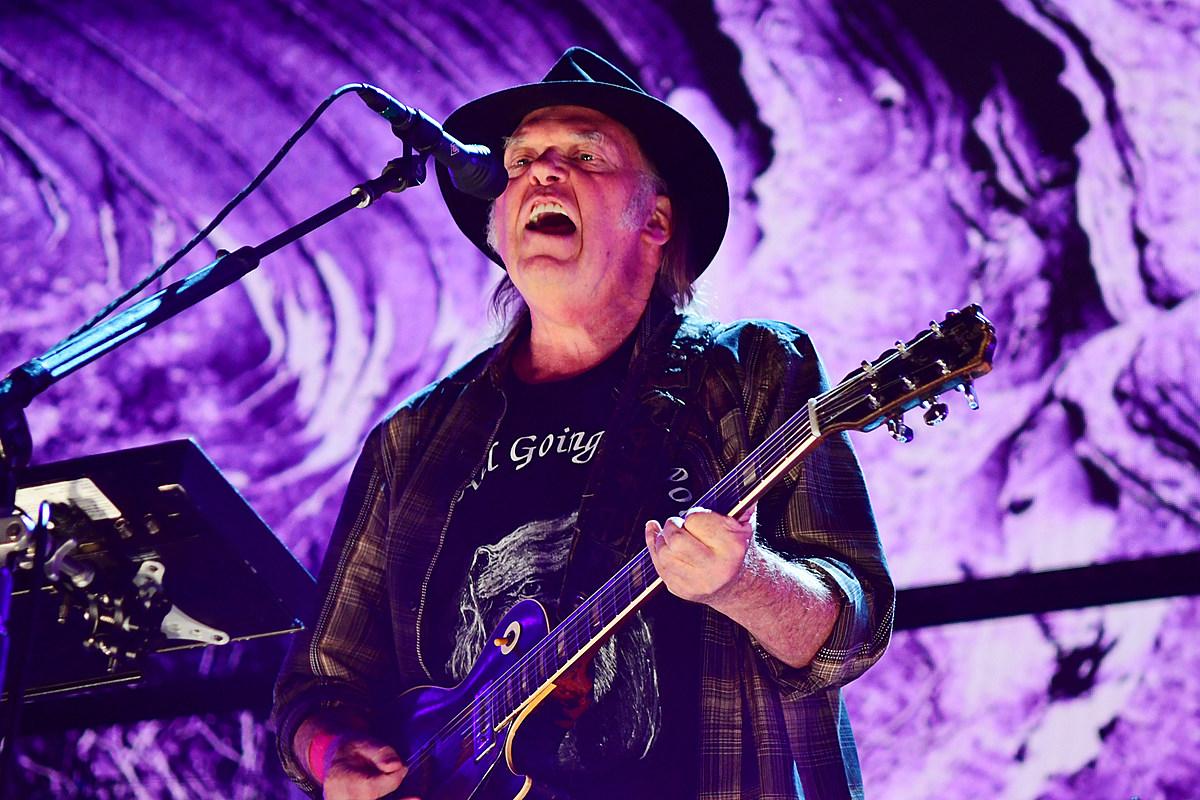 Neil Young Posts 1991 'Work-in Progress' Concert Video