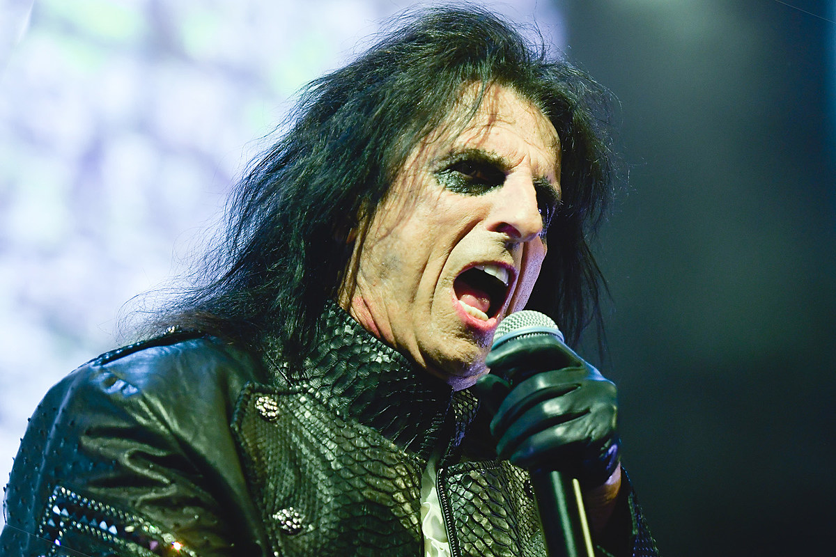 Pastor Told Alice Cooper to Keep Being Alice Cooper
