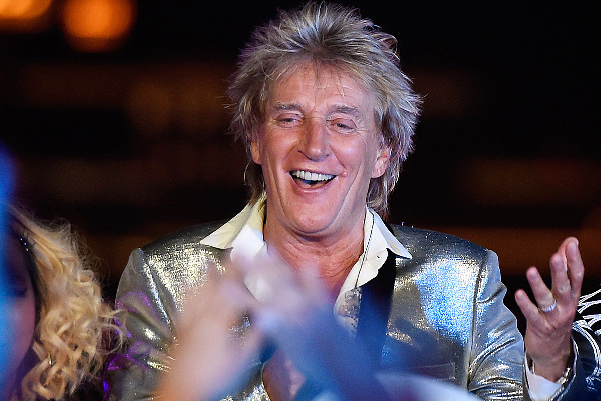 Rod Stewart Enjoys 'Mothers Reunion' with Wife and 3 Exes