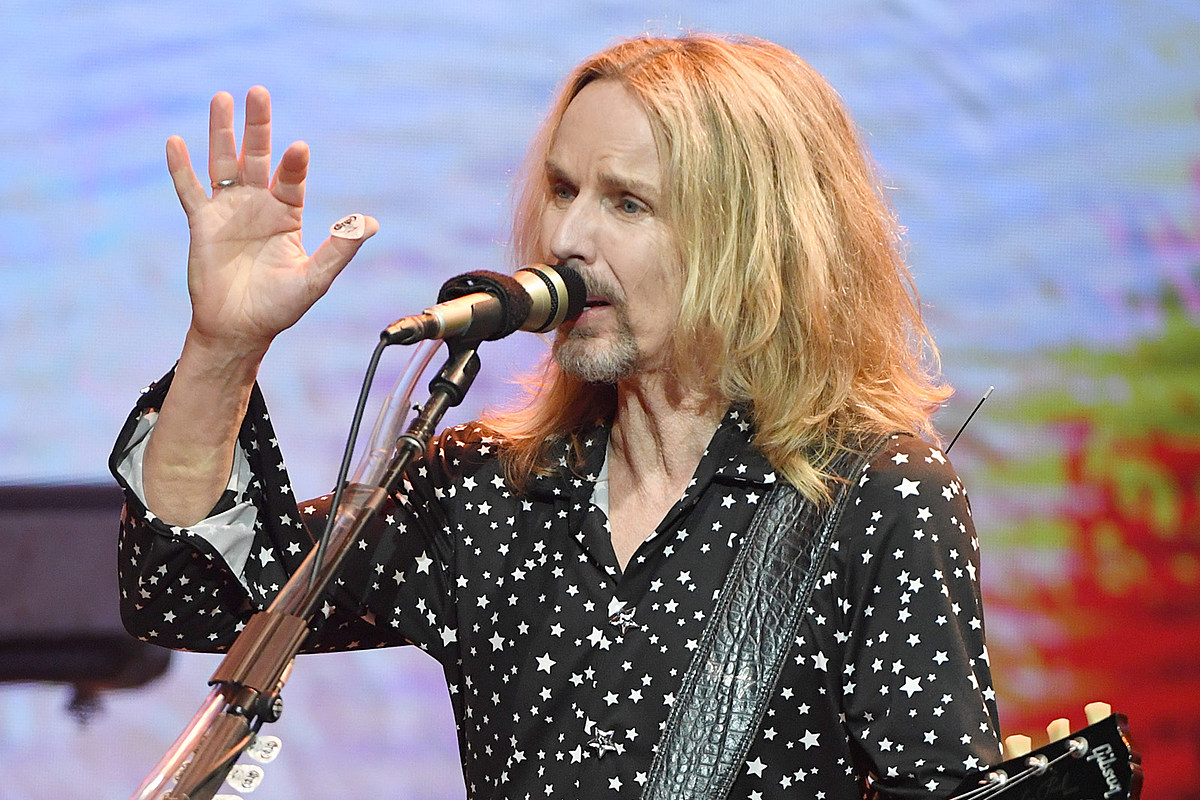How Tommy Shaw's Laid-Off Pal Inspired 'Blue Collar Man'