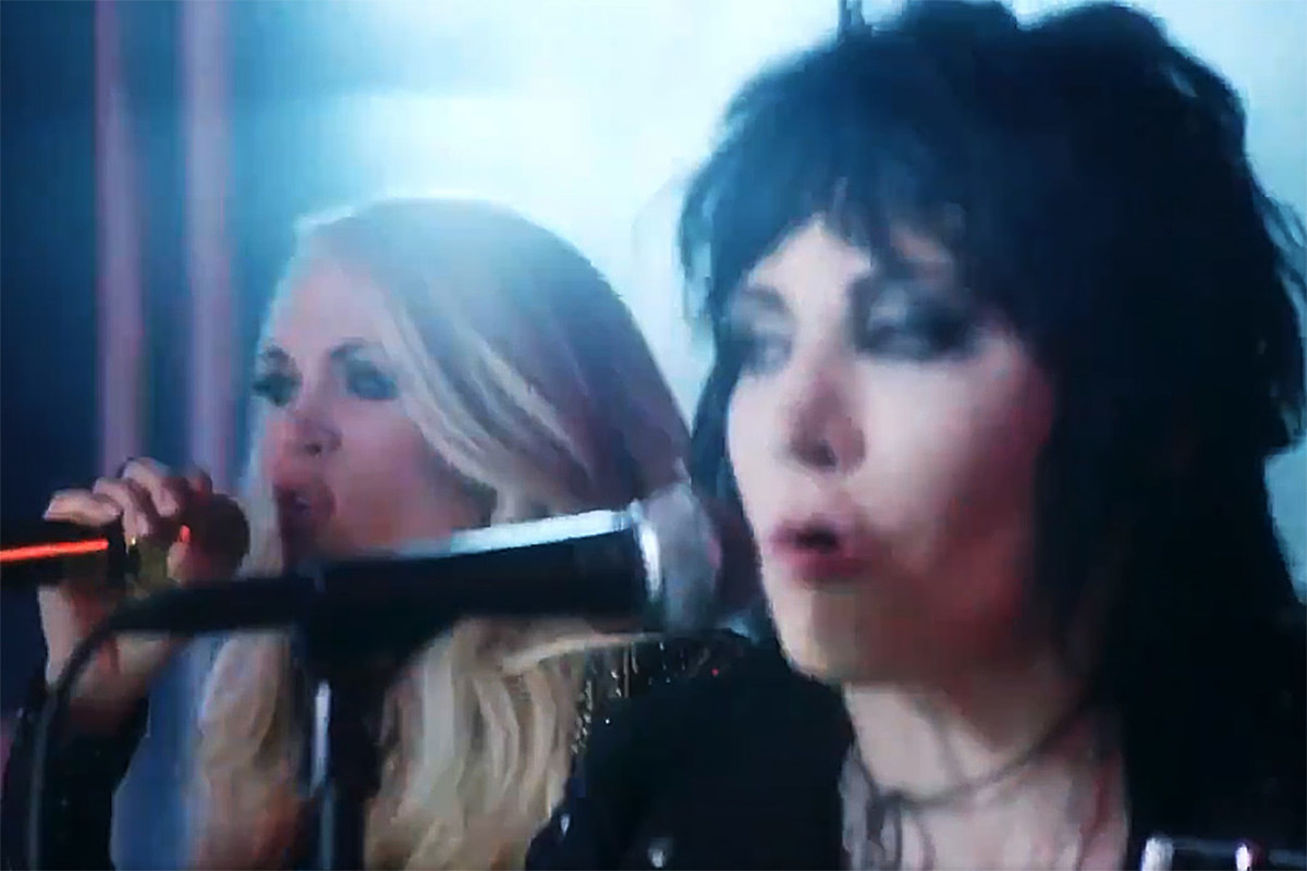 Watch Joan Jett and Carrie Underwood's 'Sunday Football' Opening