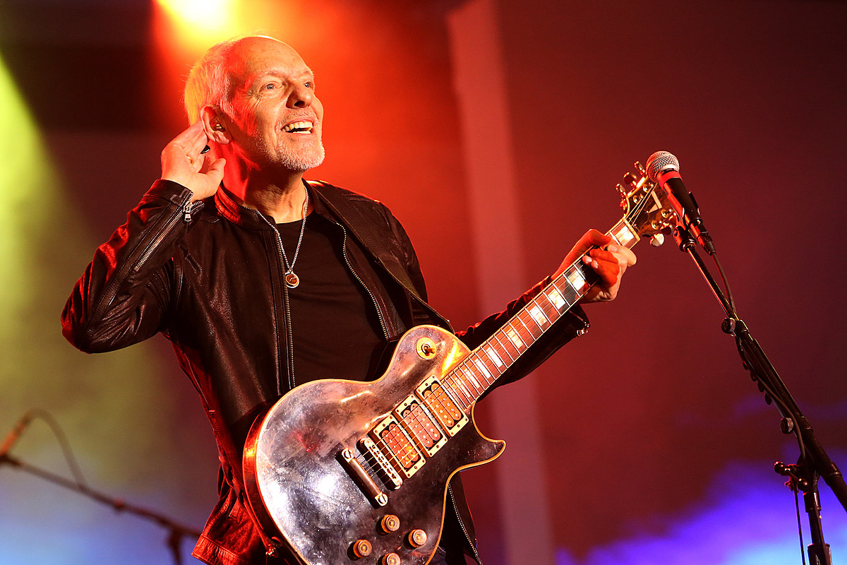 Watch Peter Frampton Close Out Final Tour With a Beatles Cover