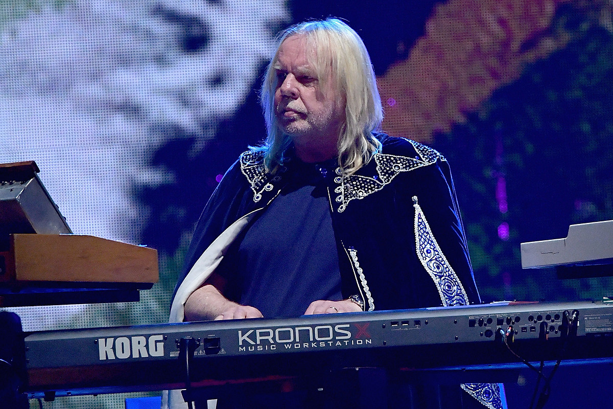 Rick Wakeman Says Yes Name 'Should Have Been Retired'