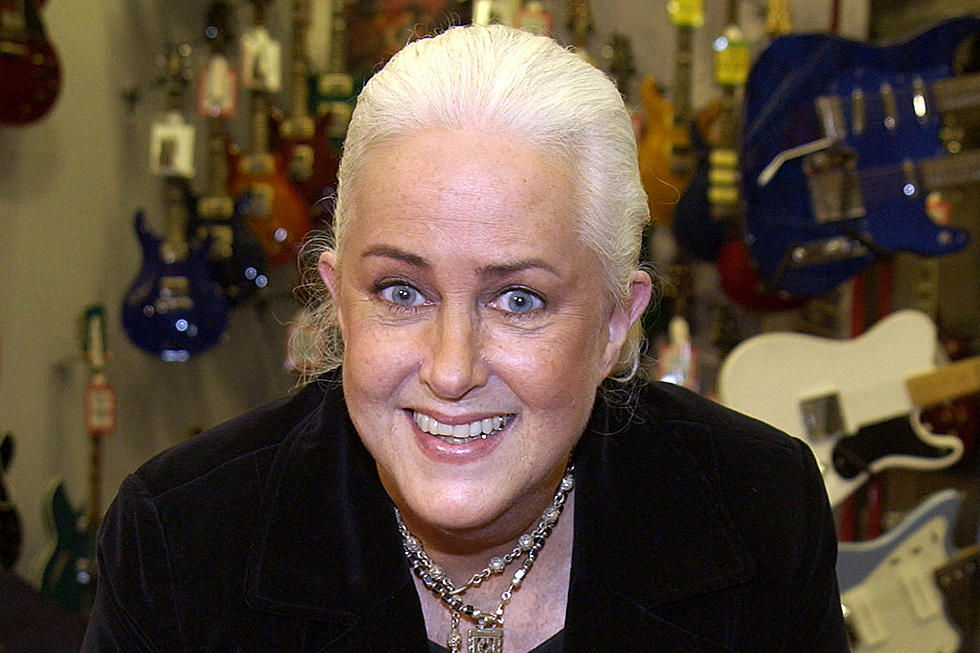The 81-year old daughter of father (?) and mother(?) Grace Slick in 2020 photo. Grace Slick earned a  million dollar salary - leaving the net worth at  million in 2020