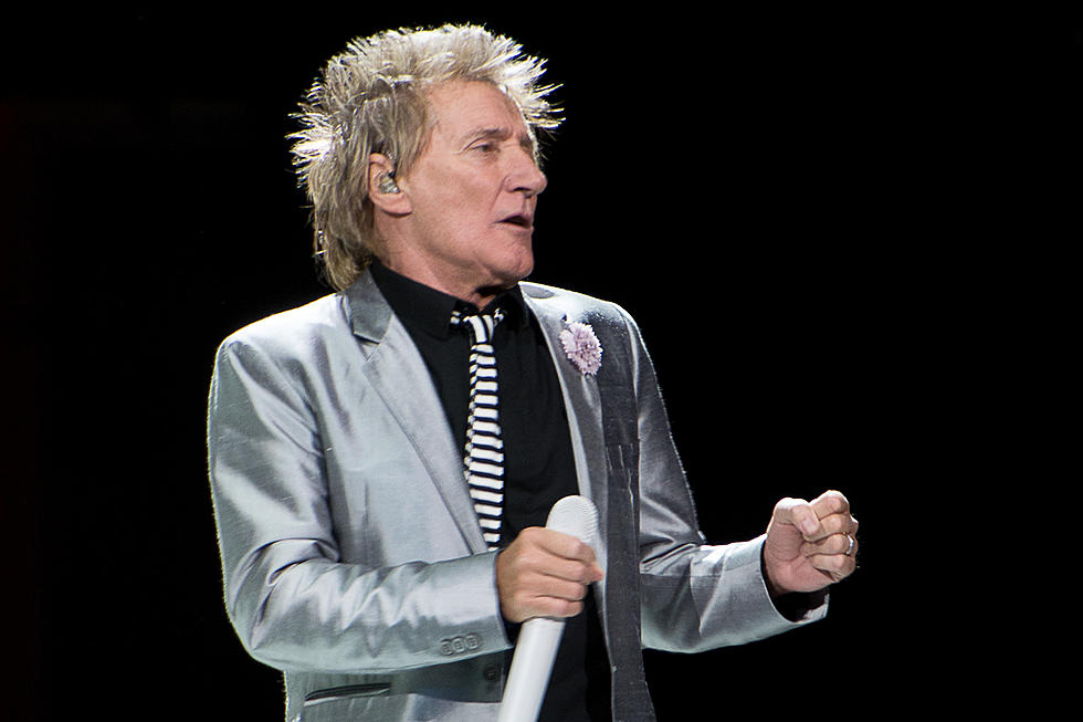 Rod Stewart Ordered To Court After New Year S Eve Altercation