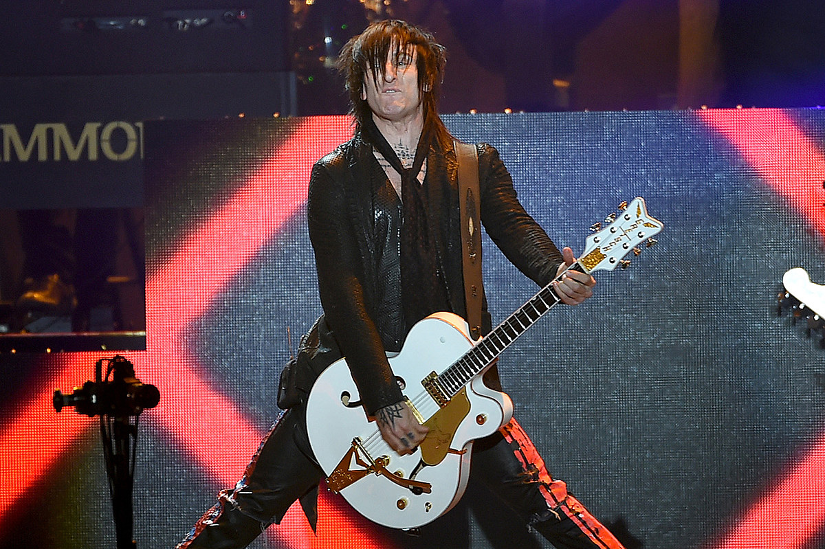 Richard Fortus Watched Another Band During Guns N' Roses Show