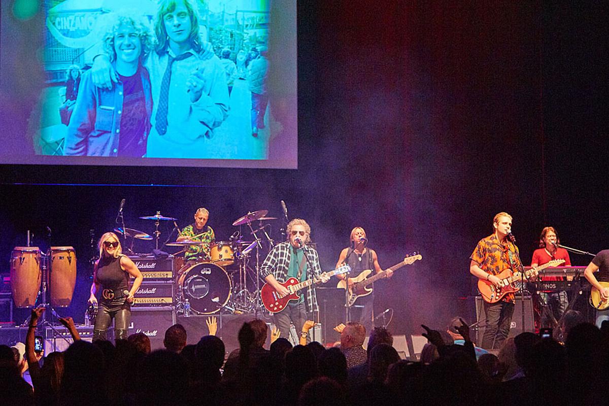 Watch Sammy Hagar Honor Eddie Money During Tribute Concert