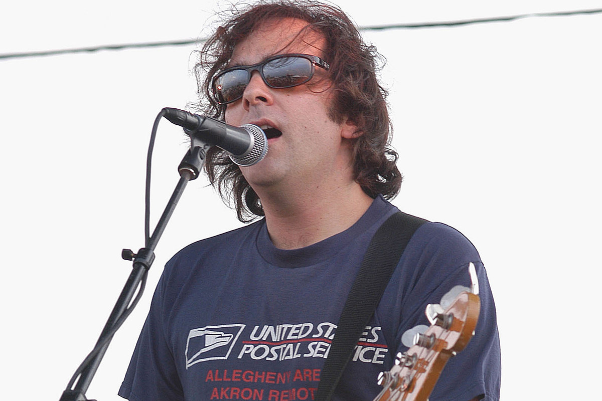 Fountains of Wayne Co-Founder Adam Schlesinger Dead From COVID-19