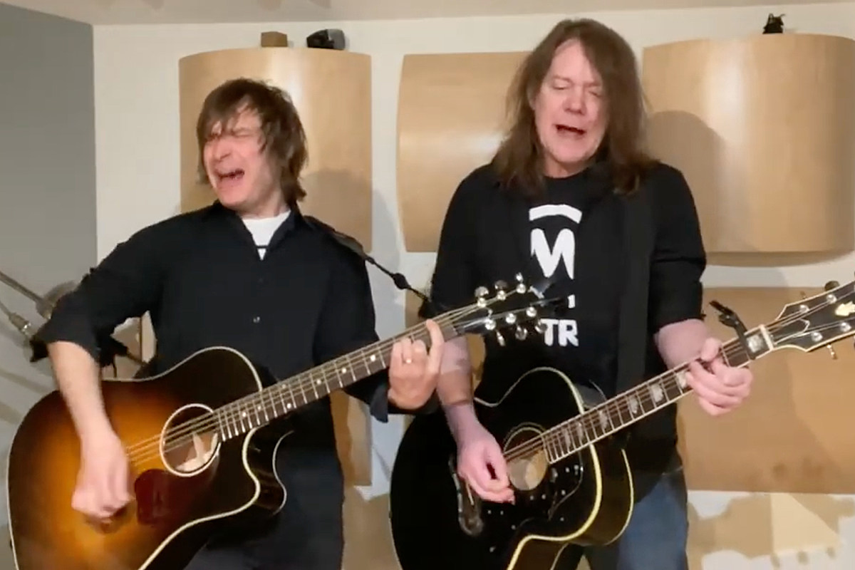 Watch Soul Asylum Perform New Song 'Make Her Laugh'