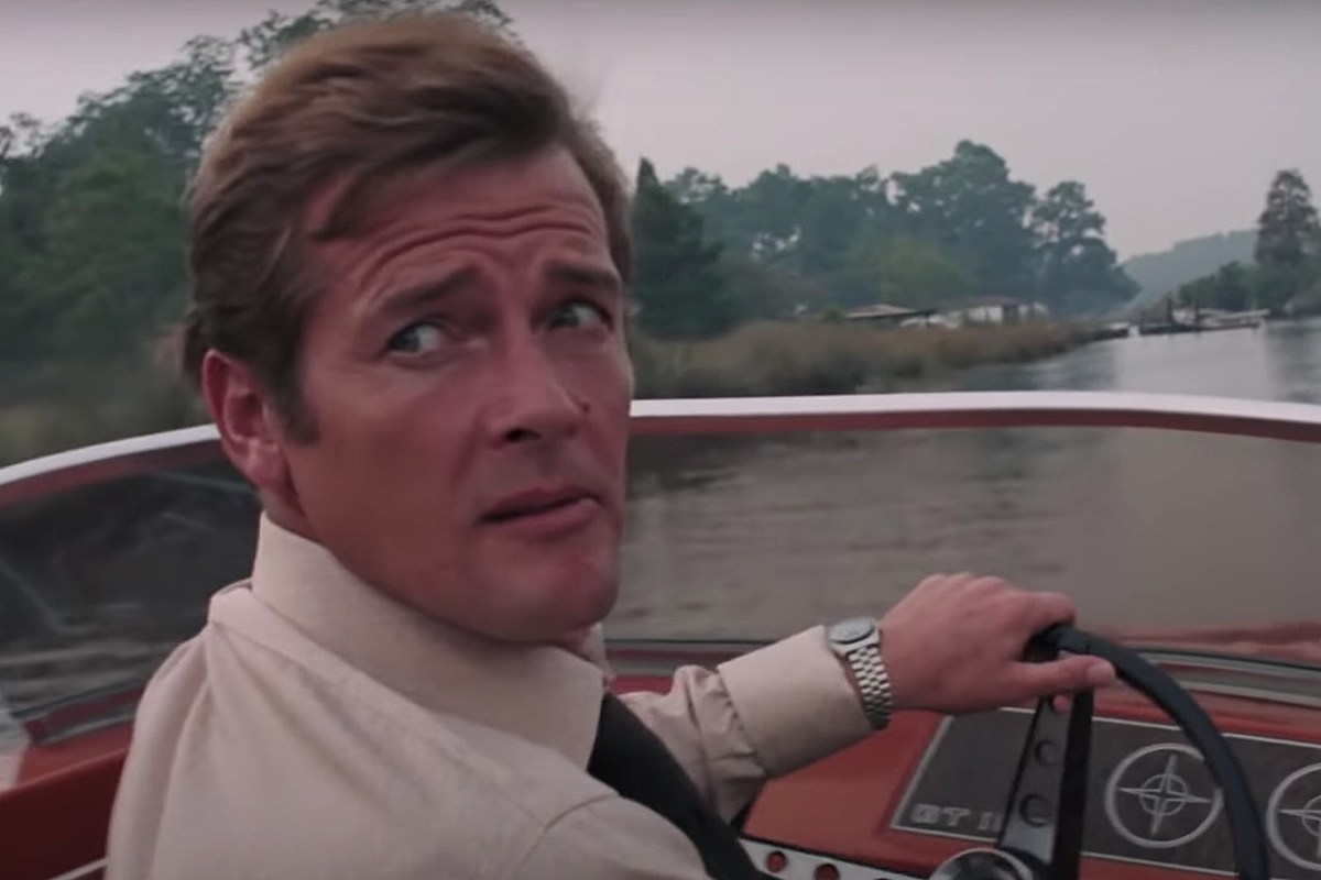 https://townsquare.media/site/295/files/2020/06/Roger-Moore-Live-and-Let-Die-Speedboat-Chase-YouTube.jpg?w=1200&h=0&zc=1&s=0&a=t&q=89
