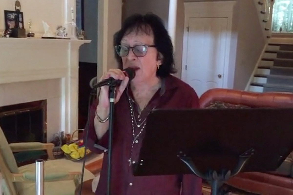 Watch Peter Criss's Home Performance of 'Don't You Let Me Down'