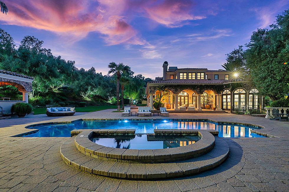 Photo: house/residence of the cool 18 million earning Scottsdale, AZ-resident