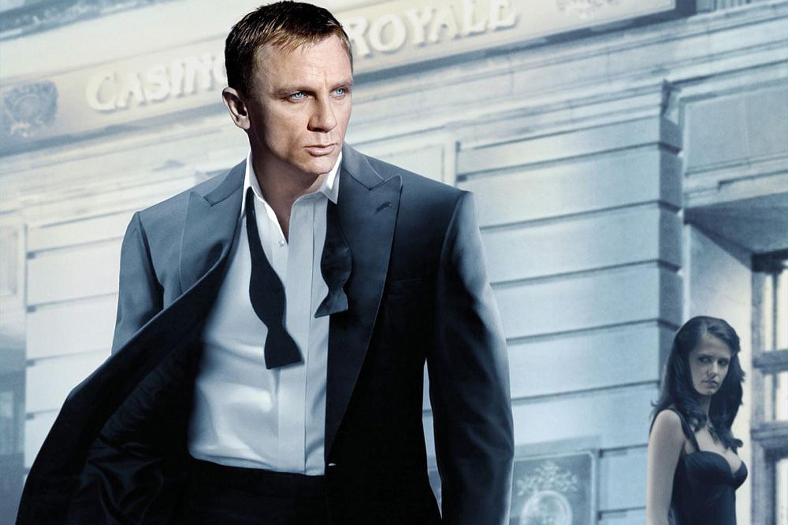 Bond casino royale plot popcap 2 games