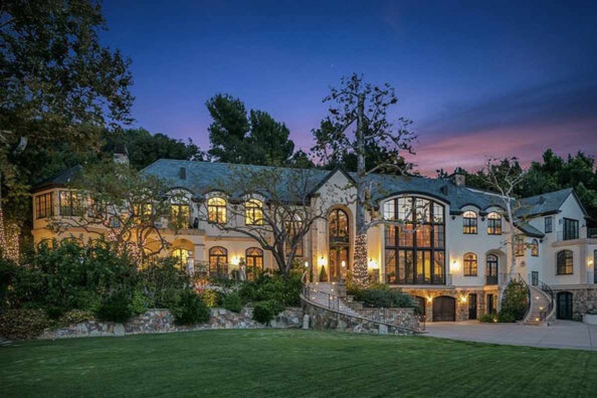 Gene Simmons' 'Palatial Estate' Hits Market for $22 Million
