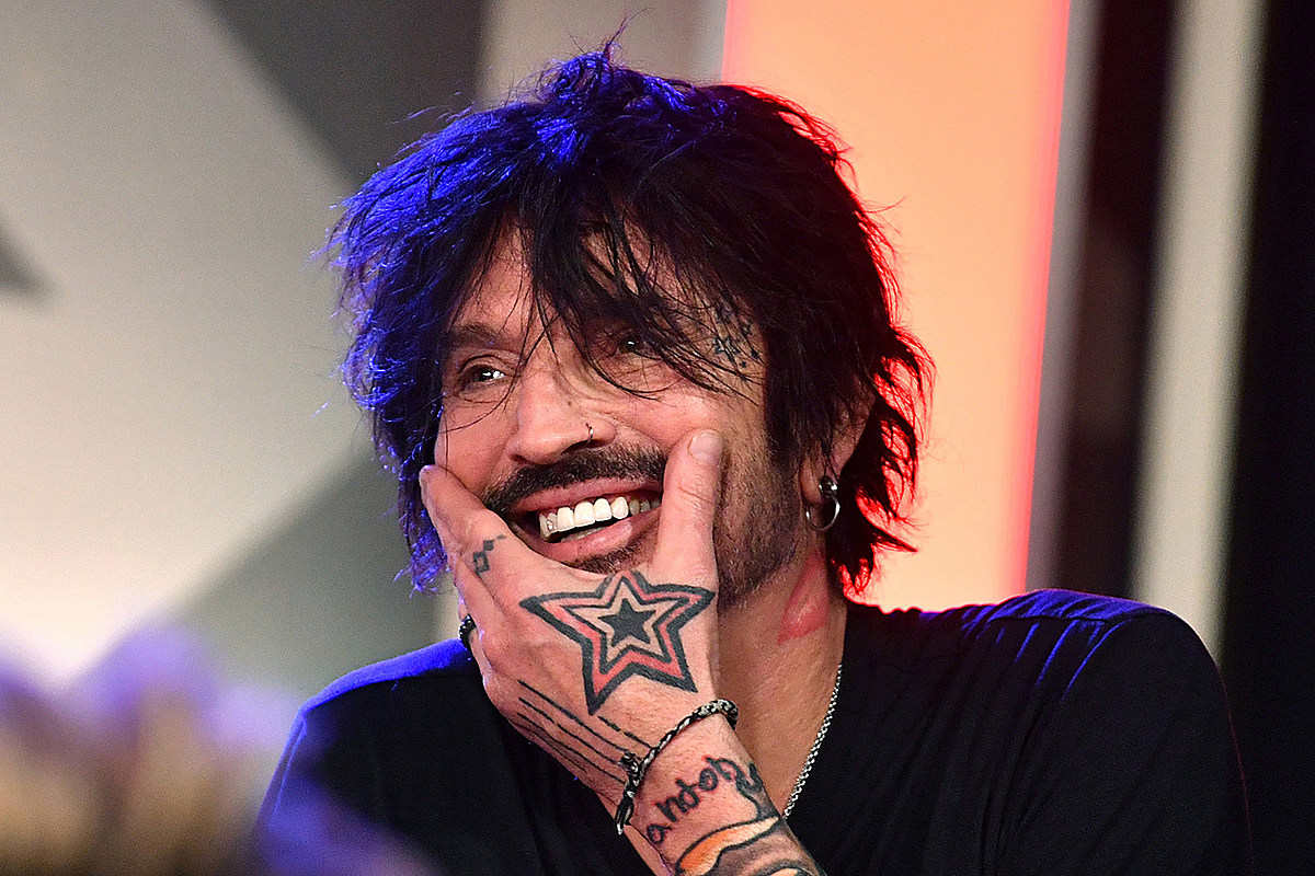 Tommy Lee1 Tommy Lee: 'Sheer F---ing Stupidity' Helped Motley Crue Succeed