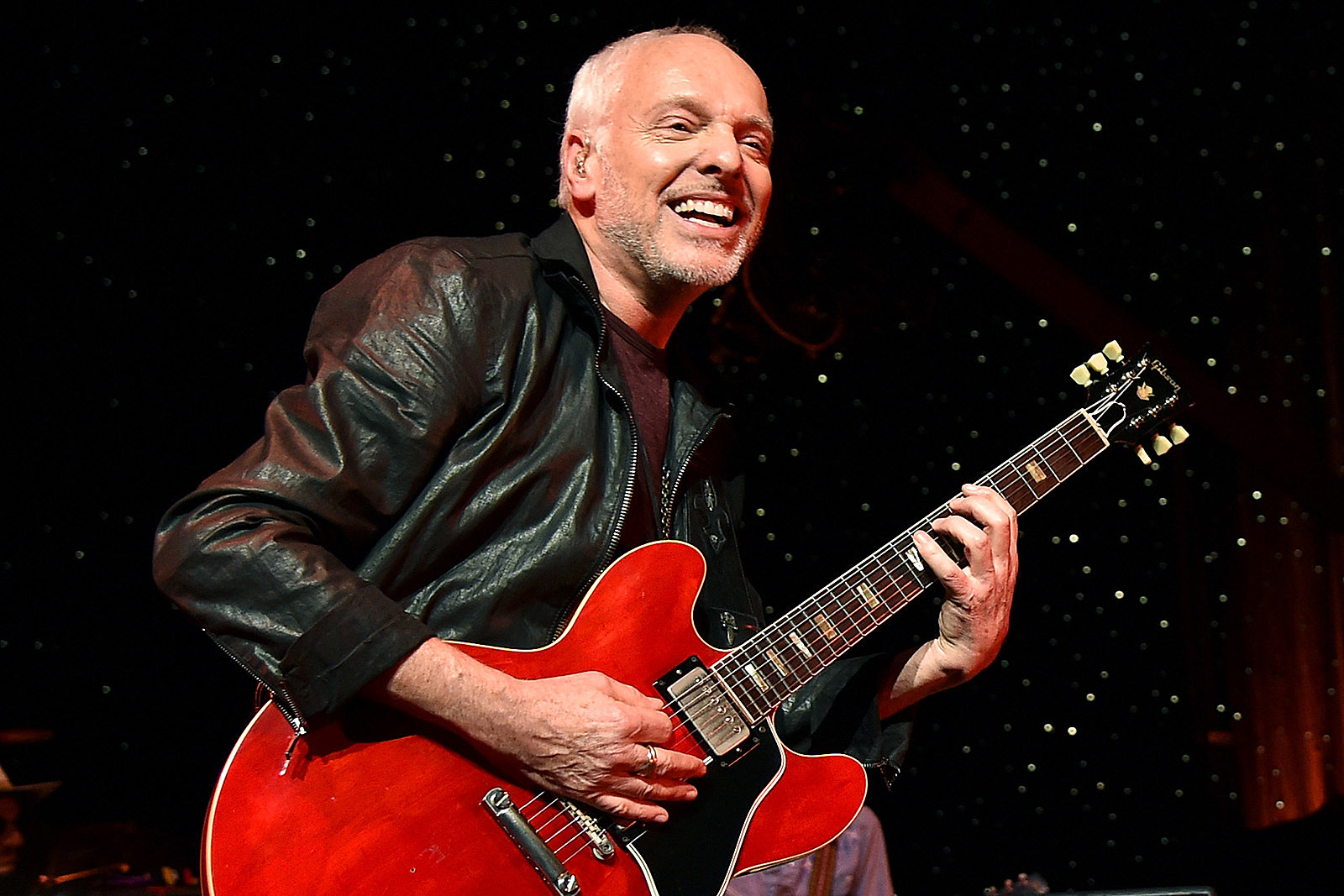 Peter Frampton Says Manager Kept Him High to Hide Fraud
