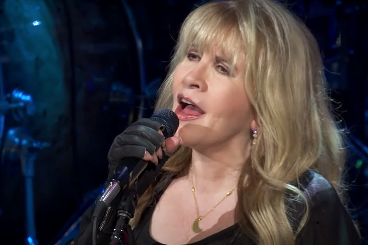 nicks Watch Stevie Nicks Sing 'Rhiannon' From New Concert Film