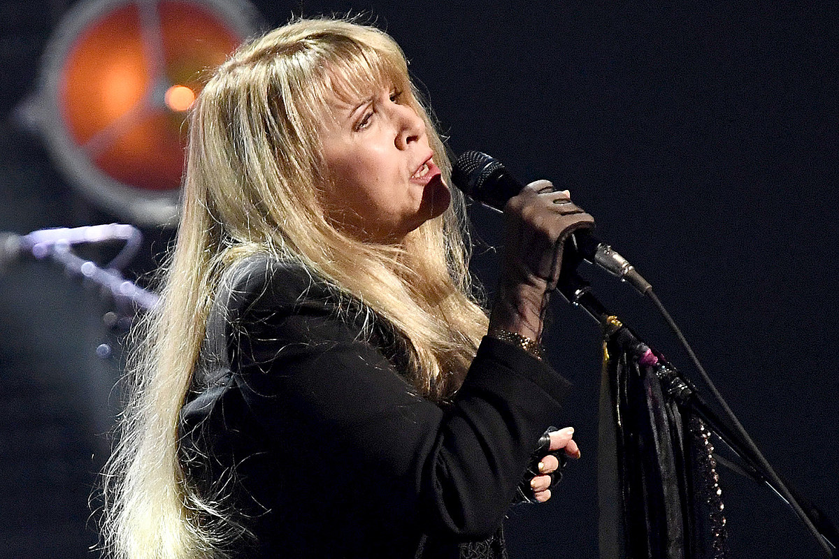 nicks2019 Stevie Nicks Went to ICU After Rock Hall Induction