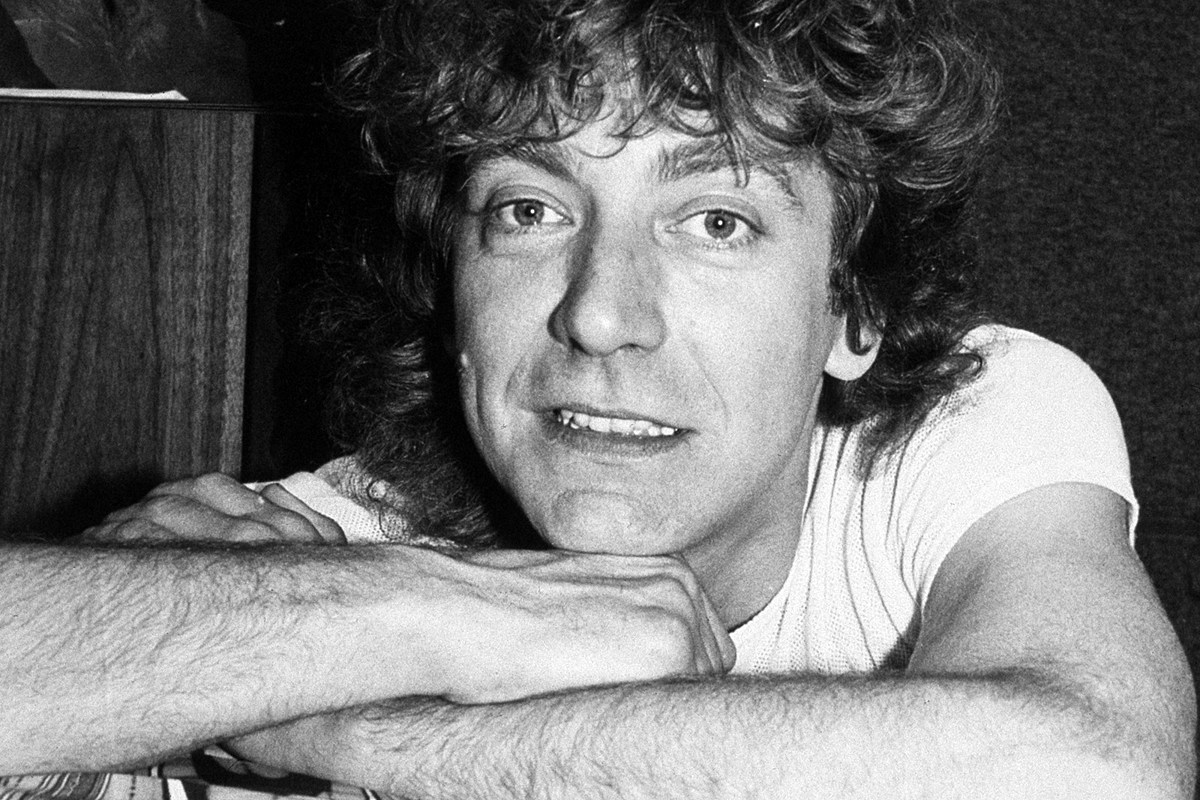 plant80s Why Robert Plant's '80s Music Used to Embarrass Him