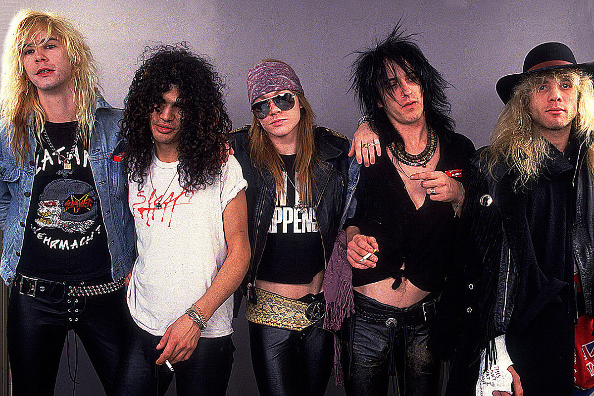 Послушайте первое исполнение Guns N 'Roses' Sweet Child O 'Mine'