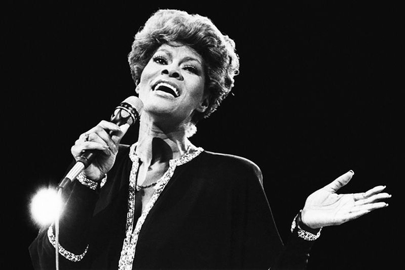 5 Reasons Dionne Warwick Should Be in the Rock Hall of Fame