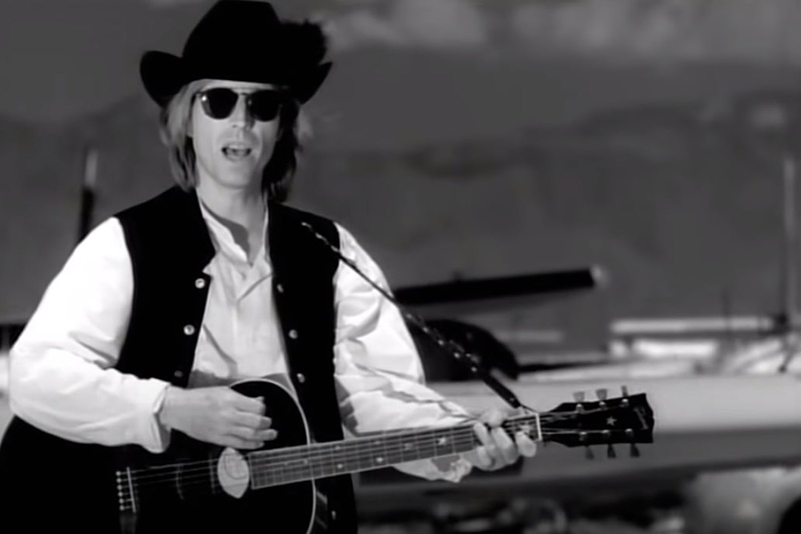How Tom Petty's 'Learning to Fly' Became a Quiet Redemption Song