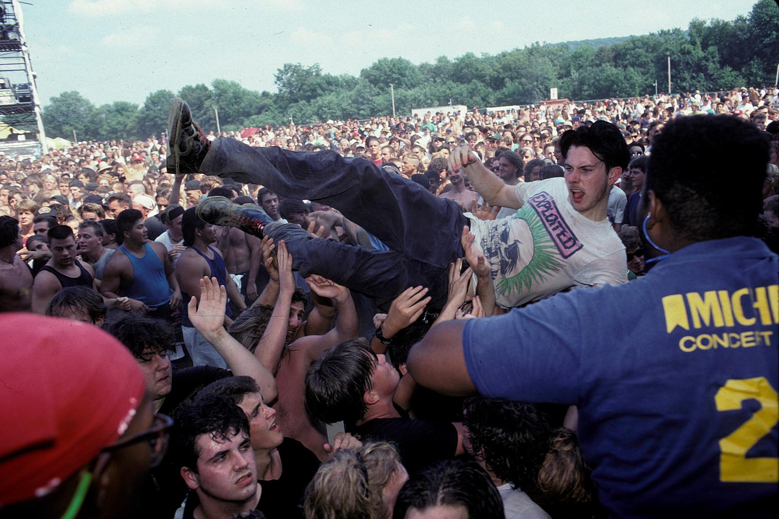 30 Years Ago: Lollapalooza Takes a Revolution on Tour