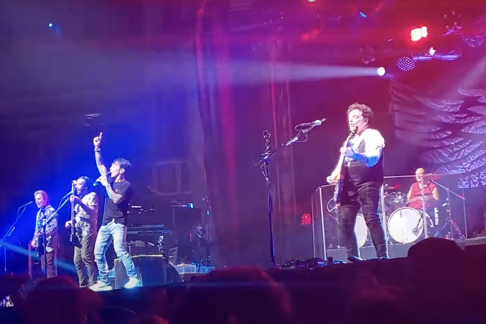 Watch Journey Debut New Lineup at Club Show